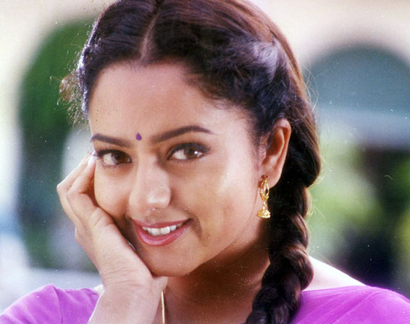 Soundarya Death Photos http://www.southdreamz.com/portfolio/soundarya