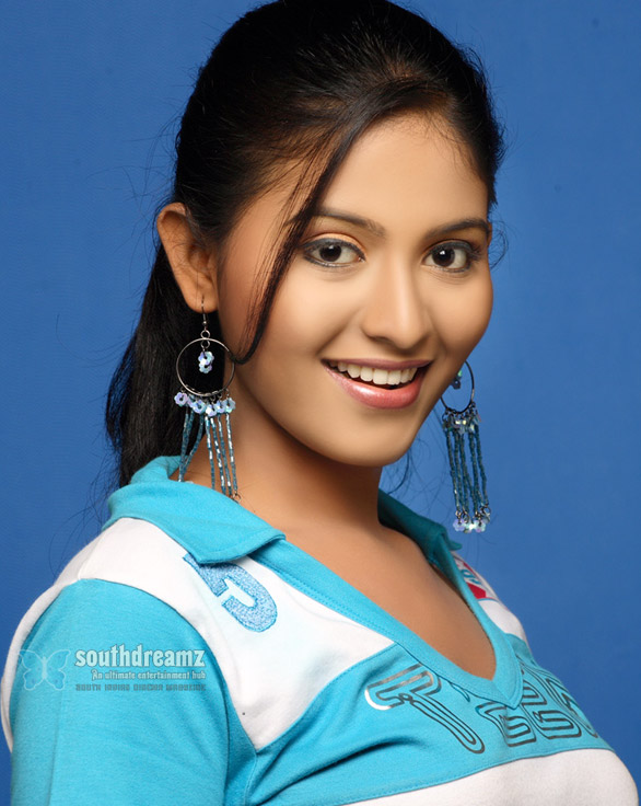 Anjali Stills 014 Producers seek newcomers and low budget movies