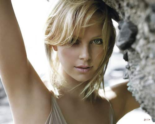 charlize theron1 Southdreamzs top 100 Hottest Women of 2010