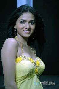 sunaina-actress-stills-01
