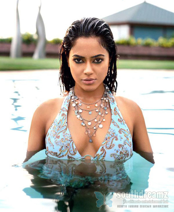 Sameera in Bikini Top Sameera Reddy in hot bikini