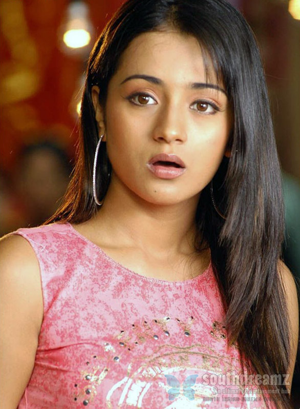 Trisha Trisha to dub herself in Manmadhan Ambu