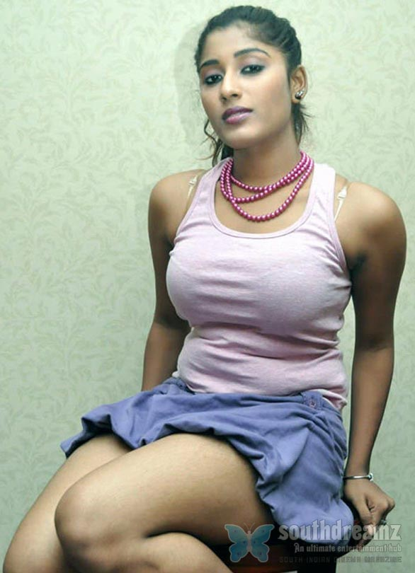 hot mallu actress stills 9 Spicy mallu actress gallery