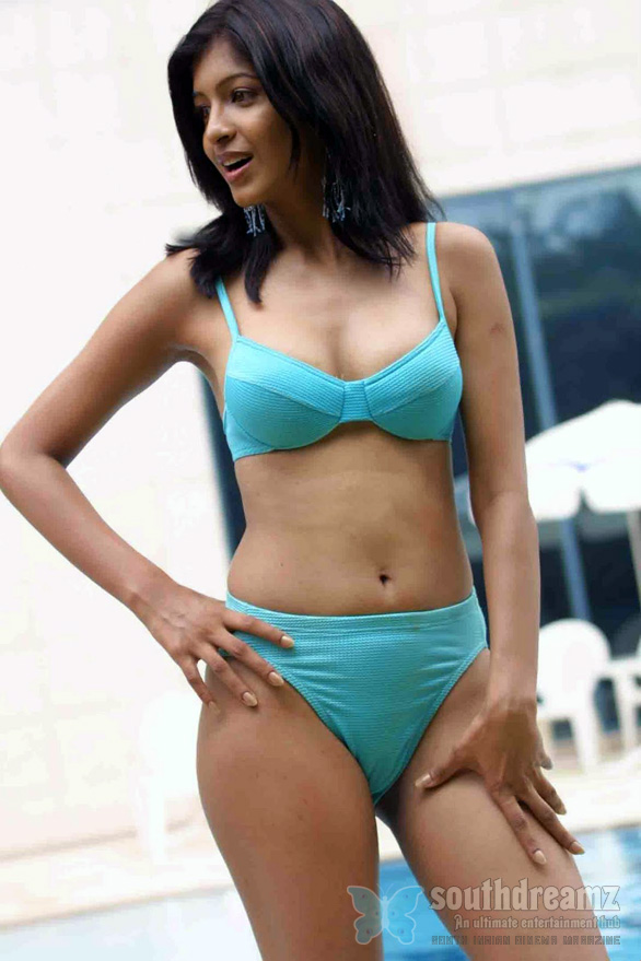 hot sizzling Tv Anchor and Model Medha Raghunathan in hot blue bikini