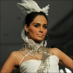 karachi-fashion-week-2010-stills-8