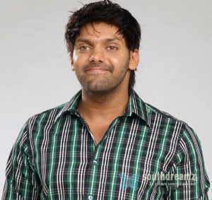 tamil_actor_arya_latest_stills_photos_wallpapers