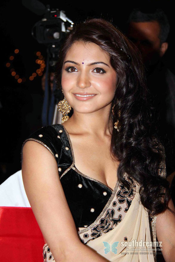 HOT Anushka Sharma stills
