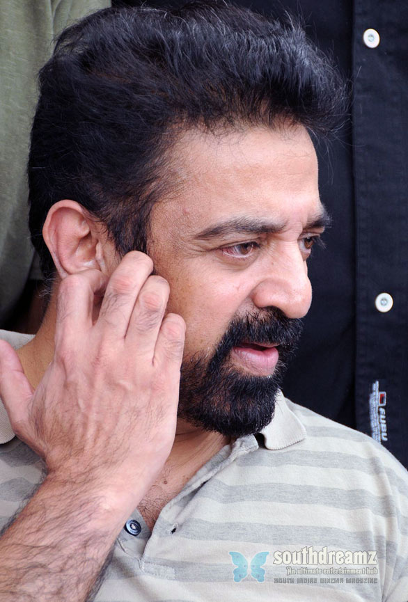 donot compare with rajni says kamal hassan Kamal Hassan becomes Viswaroopams director