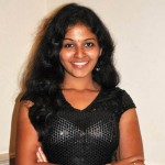 Anjali sacrifices Telugu films for the sake of Tamil films