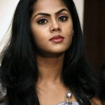 Karthika Nair wants to pair with Rajnikanth & Kamal Hassan