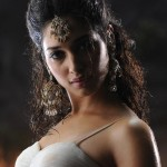 Reason behind Tamanna keeping away from Kollywood