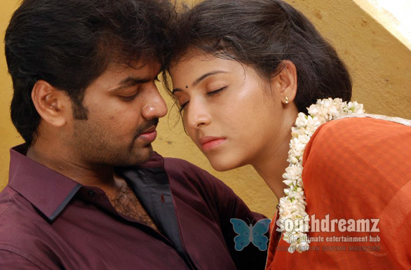 Engeyum Eppothum Movie Stills1 Engeyum Eppodhum bags a clean U