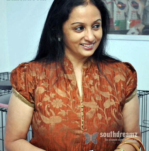 trisha mother uma krishnan photos Trisha to star in a commercial with mother Uma