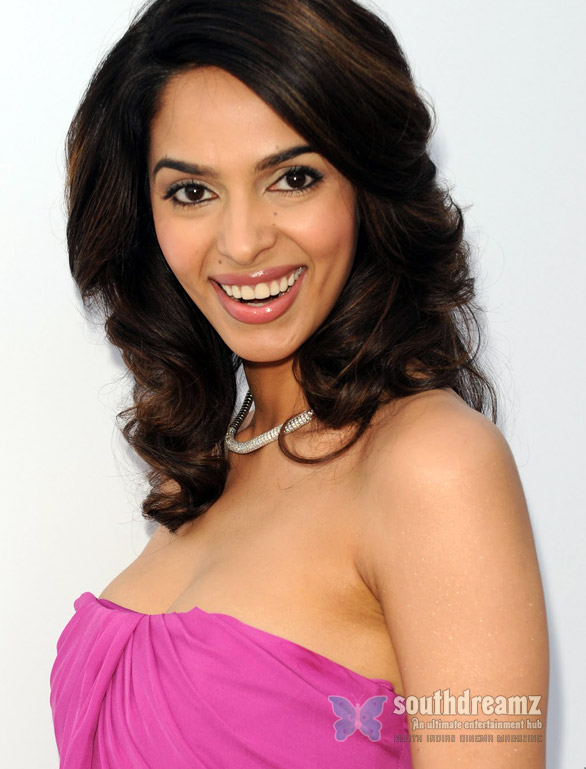 Mallika-Sherawat-is-Munni-now