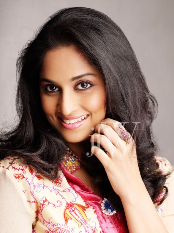Shalini Ajith Photo Shoot Stills 3 586x783 Shalini Ajith HOT! photo shoot