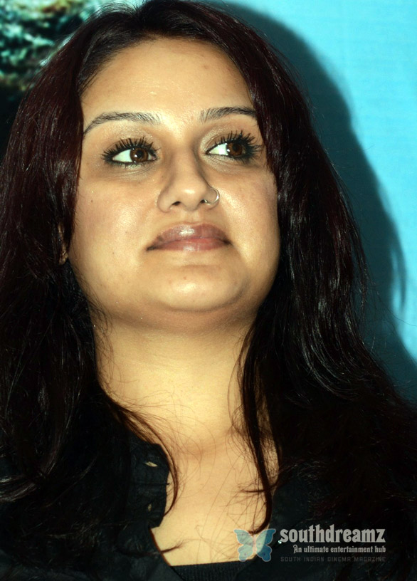 sonia agarwal sexy Sonia Agarwal angered by the media?