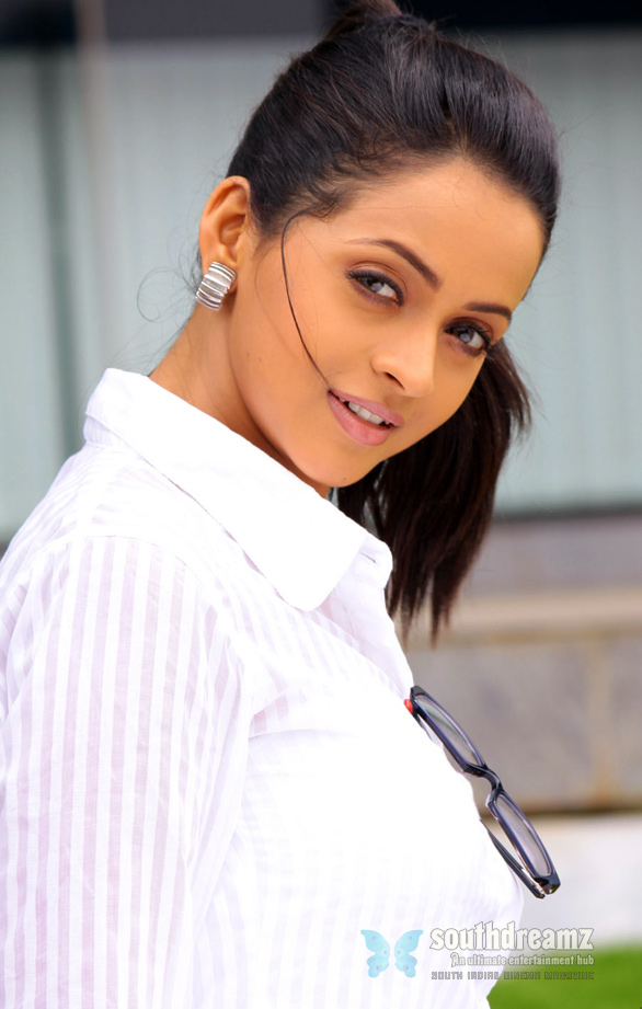 Actress Bhavana Hot Stills Photos Gallery 6 Bhavana denies love affair