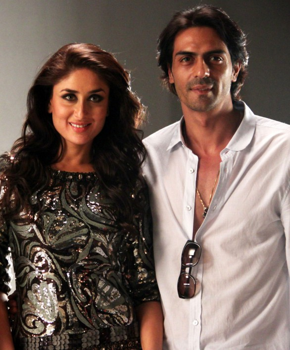 Kareena Kapoor and Arjun Rampal 586x708 Bollywood Actress