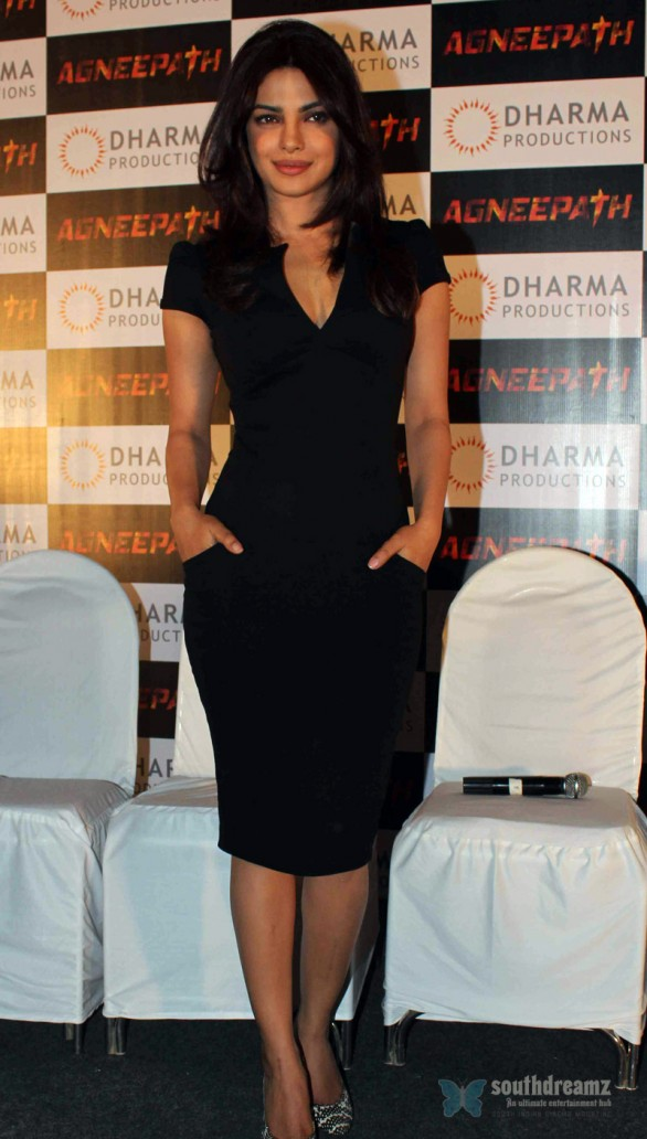 Priyanka Chopra At Agneepath Success Meet 9 586x1032 Being a grown up sucks   Priyanka Chopra