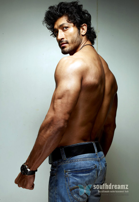 Vidyut Jamwal in FORCE Top 5 Villains of Tamil Cinema 2012