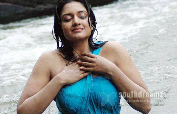 Hot Sexy Vimala Raman photo Vimala Raman is Bollywood bound