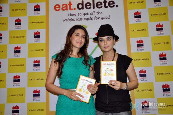 hot hindi actress priety zinta launches pooja makhijas book eat delete stills 5 586x389 First Look of Preity Zintas Ishkq In Paris