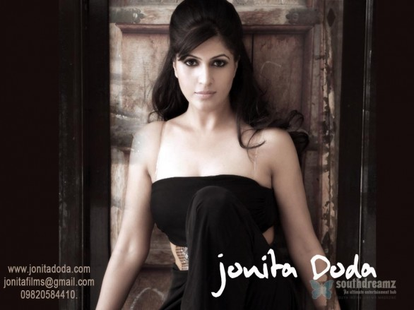 indian model actress portfolio wallpapers 8 586x439 Jonita Doda