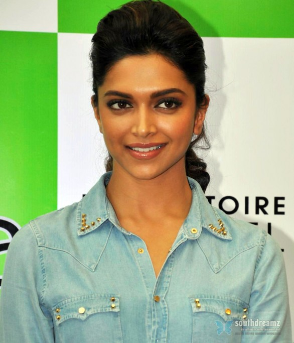 Deepika Padukone Meets Fiama Di Wills Slogan Contest Winners 31 586x683 Deepika Padukone to become abusive for her role