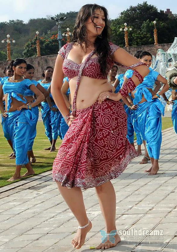Tamil-Actress-Lakshmi-Rai-Hot-Spicy-Stills