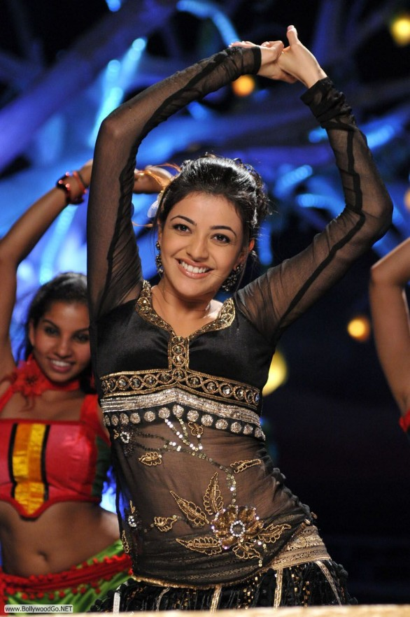 Hot Kajal new 112 586x882 Maatraan review