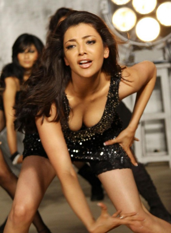Kajal Agarwal sexy 2 586x797 Kajal Agarwals birthday resolution stuns Biggies