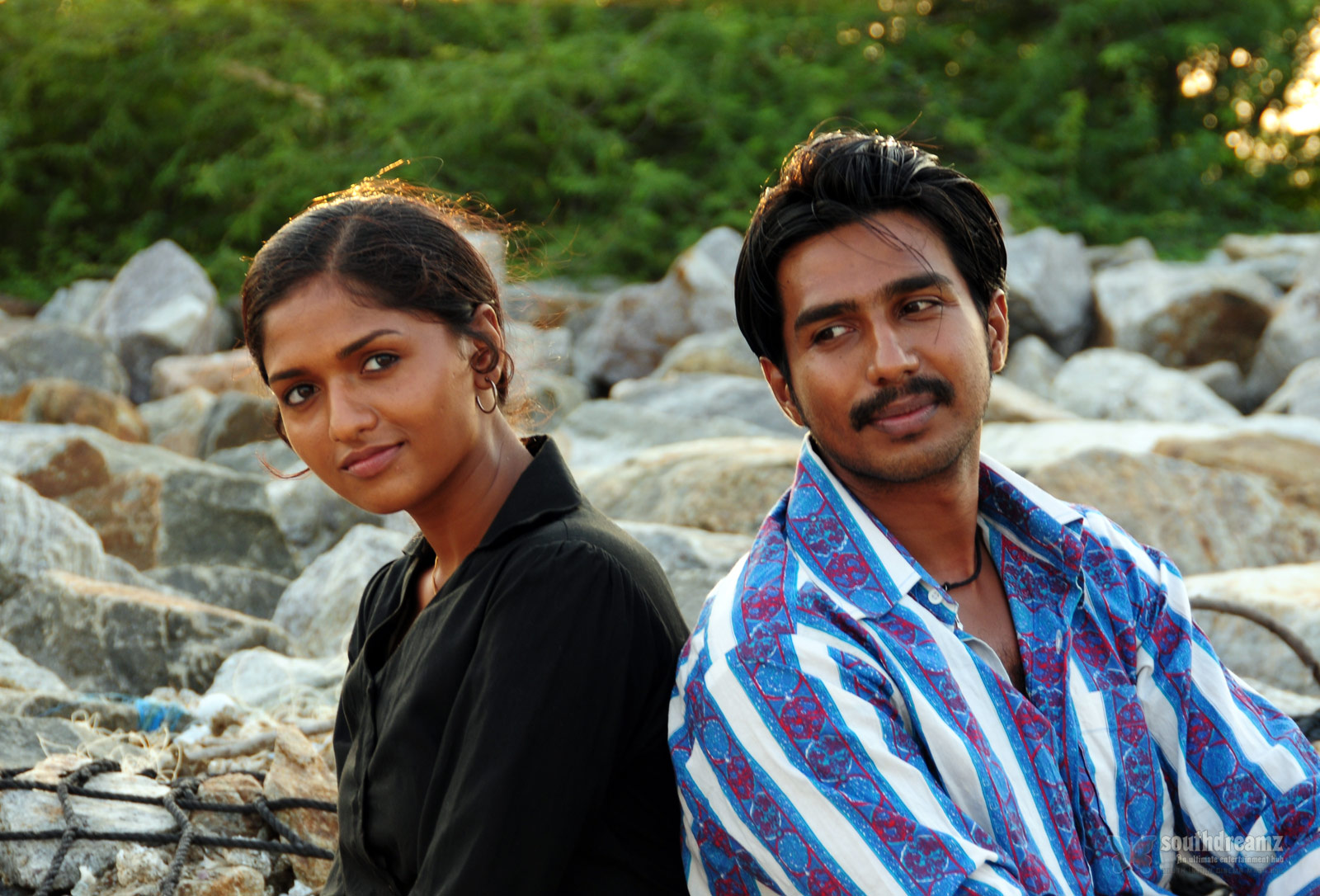 neerparavai movie vishnu sunaina love making stills 3 Top 20 Tamil songs   2012