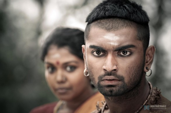 paradesi latest movie bala atharva vedhika dhansika stills1 586x388 Paradesi review