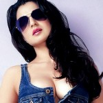 Ameesha Patel looks Hot in Sunglasses