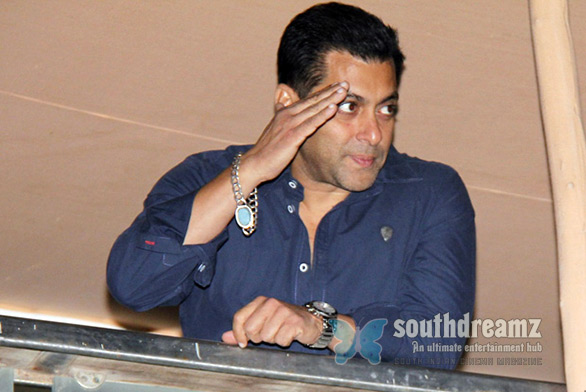 Celebs-at-Salman-Khan-Birthday-Party-Photos-1891