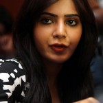 actress-samantha-cute-actioons-at-neethane-en-ponvasantham-press-meet-stiils-4