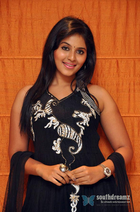 glamour-actress-anjali-latest-hot-photo-shoot-stills