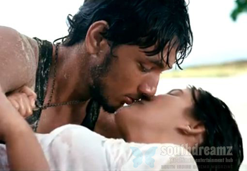 kadal movie gautham karthik thulasi nair lip kiss Kadal review