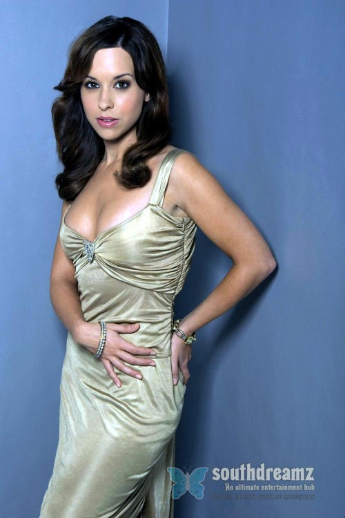 actress-lacey-chabert-latest-photo