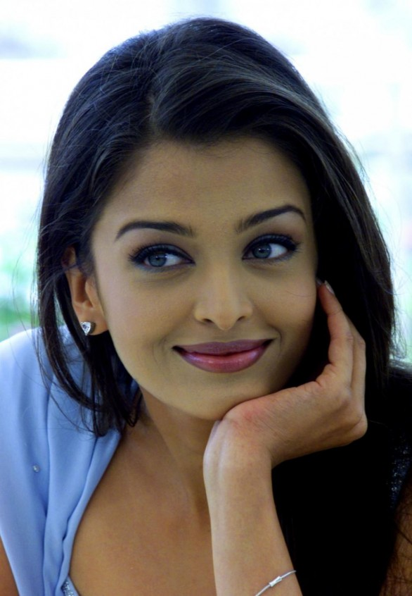 actress-aishwarya-rai-hot