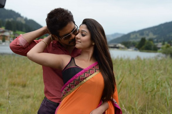 Greeku Veerudu nayantara hot 586x390 Nayanatara Hot photos in Greeku Veerudu