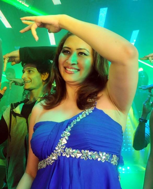 Jwala-Gutta-Item-Song-Photo-Gallery-2