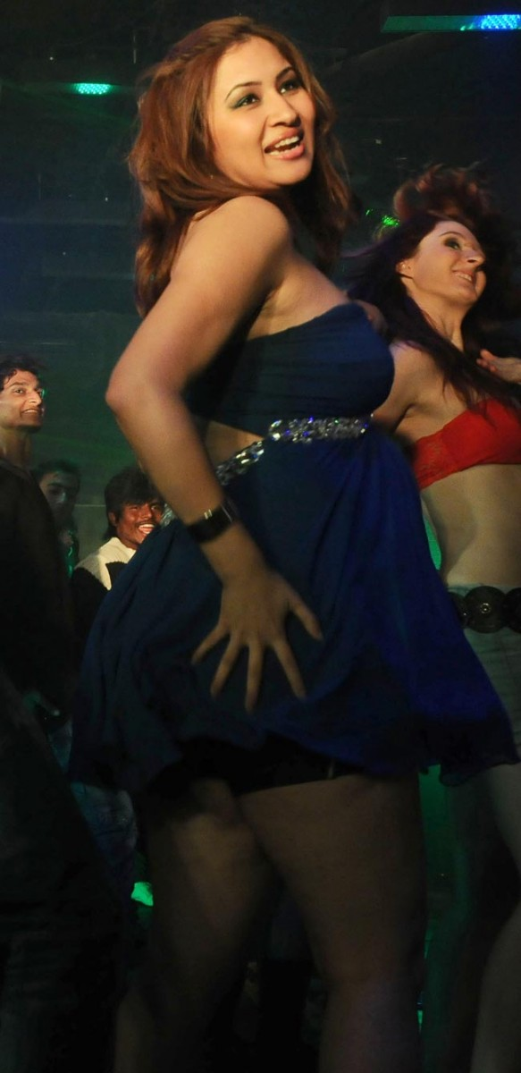 Jwala-Gutta-Item-Song-Photo-Gallery-3