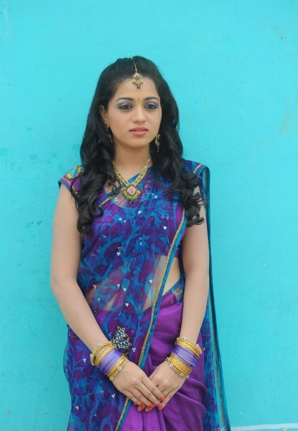 Reshma Hot saree Stills