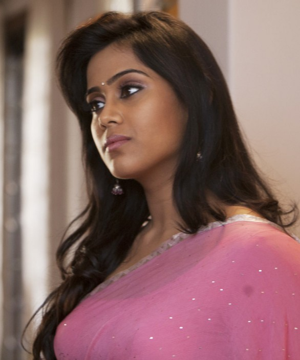 Yaan Movie Stills 2