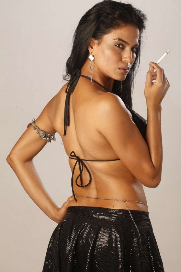 bollywood-item-dancer-veena-malik-unseen-hot-photos-8