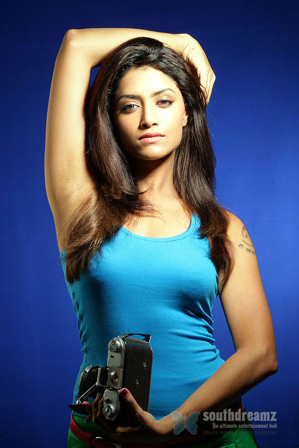 mallu-actress-mamta-mohandas-high-voltage-looks-11