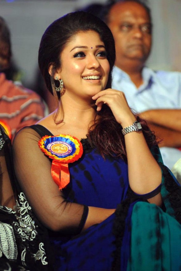 nayanthara-stills-at-nandi-awards-2011-function-3