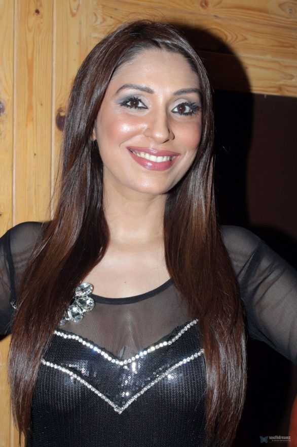 pooja-misrra-at-the-city-that-never-sleeps-party1