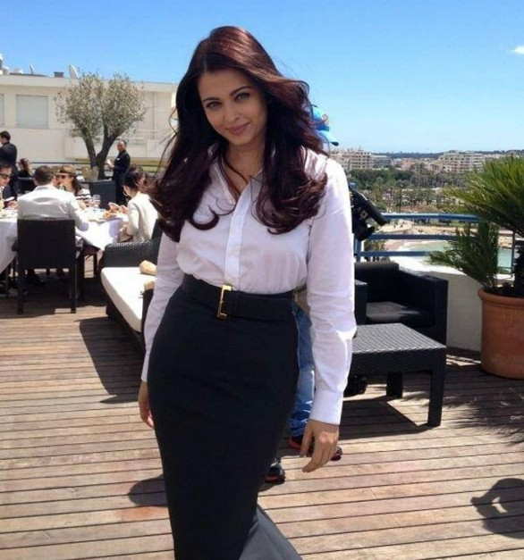 Aishwarya Rai at Cannes Film Festival 2013 Photos 4 586x627 Aishwarya at Cannes Film Festival 2013